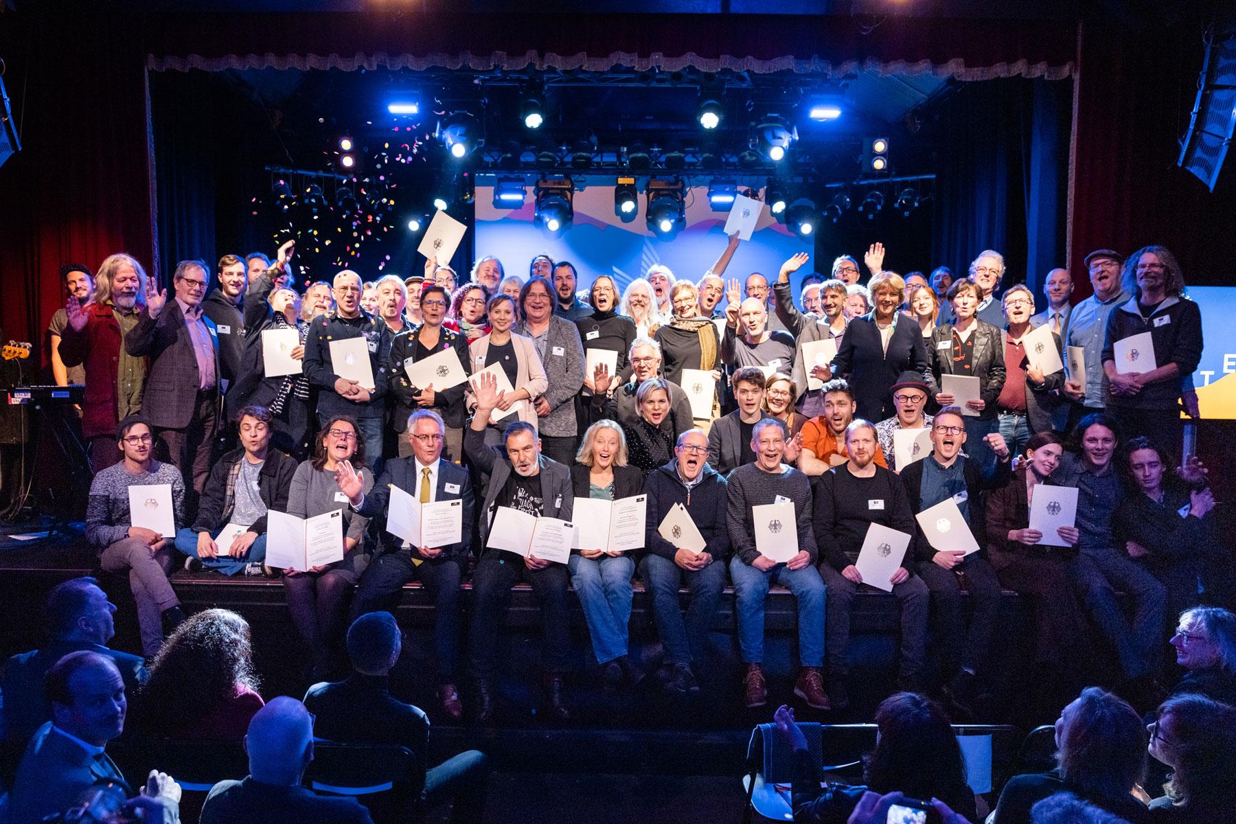 Preistraegerinnen-Kategorie3-APPLAUS2019-SWieland